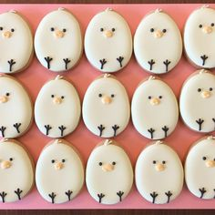 40 Easy Easter Desserts And Treats To Make This Year - The Daily Spice No Egg Cookies, Galletas Cookies, Cute Cookies, Easter Cookies, Easter Treats, Holiday Cookies, Sugar Cookies, Frosted Cookies, Easy Easter Desserts