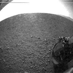 Aeolis Planum, looking across Gale Crater towards Aeolis Mons (Curiosity probe)