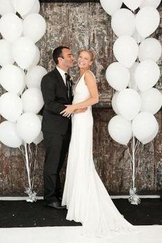 With clear balloons filled with gold stuffff Wedding Gallery, Wedding Pics, Wedding Bells, Wedding Styles, Our Wedding, Dream Wedding, Wedding Dresses, Wedding Fair, Art Deco Wedding