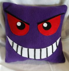 Gengar pokemon pillow by Artbymayra on Etsy Pokemon Dolls, Pokemon Craft, Pokemon Party, Pokemon Birthday, Gengar Pokemon, Pikachu, Felt Pillow, Boy Room, Plushies