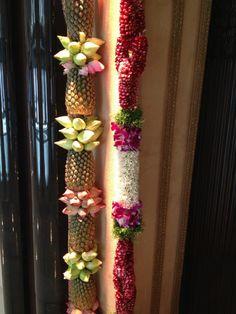 17 ideas for wedding rustic stage floral design Wedding Hall Decorations, Marriage Decoration, Diwali Decorations, Festival Decorations, Flower Garland Wedding, Wedding Flowers, Wedding Stage Design, Wedding Mandap, Wedding Dresses