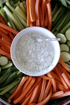 Five Minute Cottage Cheese Dill Dip doubles as a delicious protein-packed snack or a quick, flavorful dip for a large gathering. Recipes Appetizers And Snacks, Great Appetizers, Appetizer Dips, Snack Recipes, Dip Recipes, High Protein Vegetables, Healthy Vegetables, Cottage Cheese Dips, Bon Voyage
