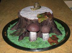 Tree stump with mushrooms cake Dort pařez s houbami