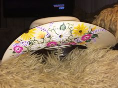 Side view of custom hat I just finished Cowgirl Chic, Cowgirl Style, Cowgirl Boots, Western Girl, Western Hats, Country Outfits, Western Outfits, Barrel Racing Outfits, Danse Country