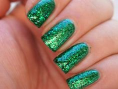Get ur Bling on. Stand out this holiday with dazzel Green. or give as a gift for your BFF who loves beauty. get ur gifts a www.bff-online.co.uk only £6.00