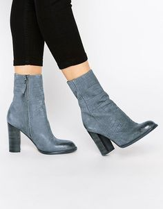 95dd55b62 179.99 ❤ NEW SOLD OUT  355 9 Sam Edelman Reyes Steel Grey Leather Block  Ankle