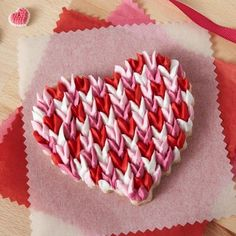 Scalloped Heart Valentine Cookies