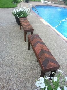 How beautiful are these benches made from scrap wood? David Guild on Twitter: #GetBuilding2015 #ScrapWorkLove Pallet benches