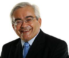 #PrismaPalestras - #JoséNêumanne. Poeta, escritor, #Palestrante e #jornalista, é editorialista e articulista do jornal O Estado de S. Paulo, comentarista #político da Rádio Estadão (Direto ao Assunto) e do Jornal da Gazeta.
