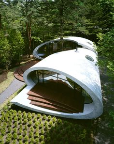 Beautiful sculptural shell-like residence by Japanese Architect, Kotaro Ide of ARTechnic, was built in the forest of Karuizawa, located in the Nagano prefecture of Japan.