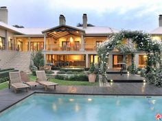 This opulent home is truly an entertainers dream. For more info: http://www.privateproperty.co.za/mooikloof-j93207.htm