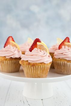 I made some very special keto cupcakes in honor of the diabetes community. These tangy sweet strawberry lemonade cupcakes are perfect for your low carb parties.