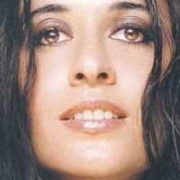 Leda Battisti (Poggio Bustone, 24 febbraio 1971) è una cantautrice italiana.    Leda ha più volte affermato di non essere parente (se non alla lontana) del collega Lucio Battisti, nato anche lui a Poggio Bustone.