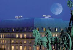 Luxus der Extraklasse im eleganten 5* Hotel am Brandenburger Tor, inklusive Frühstück und Verwöhnpaket