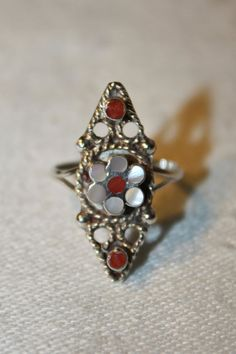 ZUNI VINTAGE 925 STERLING SILVER MOP CORAL INLAY FLOWER FLORAL RING SIZE 5.25