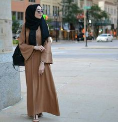 Hijab Fashion 2016/2017: Sélection de looks tendances spécial voilées Look Descreption Let's Connect: Website: www.hijabchicblog... Facebook: www.facebook.