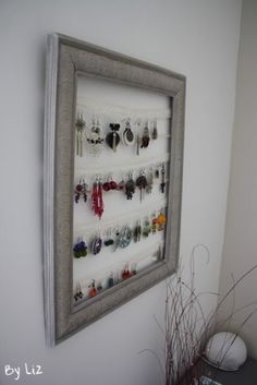 DIY: A door with lace earrings Diy Organisation, Room Organization, Old Picture Frames, Creation Deco, Lace Earrings, Interior Design Living Room, Diy Projects, Diy Crafts, Inspiration