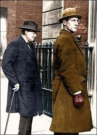 Winston Churchill and his bodyguard, Walter Thompson, in Whitehall during the war. Churchills bodyguard saved him over 20 times, carried the PMs Colt with orders for Churchill not to be taken alive Winston Churchill, Churchill Quotes, Uk History, British History, Colt 45, British Bulldog, Historical Quotes, Great Leaders, World War Ii