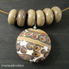Spang met hanger, handgemaakte glaskraal van irenesKralen op DaWanda.com