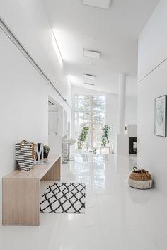 Skandinavischer Flur. Hallway Lighting, Hallway Light Fixtures, Marble Floor, White Tile Floors, White Tiles, Entry Hallway, Tiled Hallway, Granite Flooring, Concrete Floors