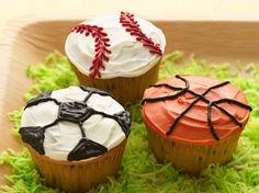 Ball Game Cupcakes - QueRicaVida.com