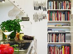 What makes a warm and welcoming kitchen? — The Entertaining House