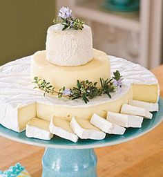 Cheese in the shape of a stacked wedding cake! This is a good idea since I don't want cake at my wedding and I love cheese! It wouldn't replace dessert of course . Tapas, Snacks Für Party, Wine Cheese, Goat Cheese, Fromage Cheese, Wine And Cheese Party, Cheddar Cheese, Sweet Desserts, Wedding Cakes