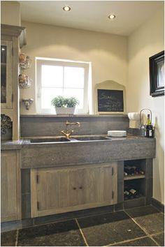 Lovely oldlooking sink