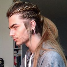 Hairstyles men, viking hairstyles, hair and beard styles, hair styles, mens braids Trendy Hairstyles, Straight Hairstyles, Braided Hairstyles, Viking Hairstyles, Side Hairstyles, American Hairstyles, School Hairstyles, Viking Braids, Mens Braids