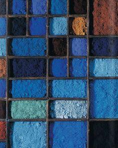 "Gefällt 47 Mal, 1 Kommentare - More Art on the Streets (@pinacotheca.shop) auf Instagram: ""#pigment #blue #blueaesthetics #palette #blues #instablue #colour #color #shades #inspiration…"""