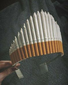 Fuck love I rather smoke a cigarette is part of Cigarette aesthetic - Bad Girl Aesthetic, Aesthetic Grunge, Rauch Fotografie, Cigarette Aesthetic, Wow Photo, Smoking Kills, Aesthetic Wallpapers, Drugs, Artsy