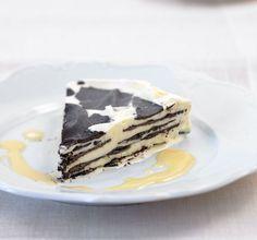 Eierlikör-Parfait: Das sahnige Parfait wird perfekt ergänzt von dunkler Schokolade und ist ruckzuck vernascht!