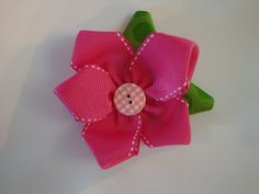 That's So Cuegly: Craft Concoction Friday! Diy Ribbon, Fabric Ribbon, Ribbon Crafts, Flower Crafts, Flower Diy, Flower Petals, Ribbon Bows, Burlap Flower Wreaths, Burlap Bows