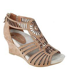 Comfortable neutral low heels