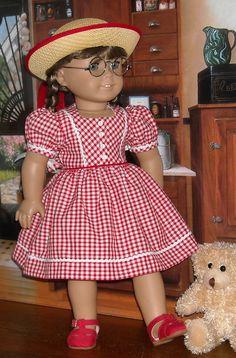 American Girl Doll Molly, American Girl Dress, American Girl Crafts, American Doll Clothes, American Girls, Sewing Doll Clothes, Girl Doll Clothes, Doll Dress Patterns, Clothing Patterns