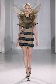 Iris van Herpen 2011 | #Avantgarde #fashion #design