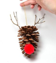 Looking for some pine cone decorating ideas for your homestead? Add some holiday cheer by filling your home with pine cone decorations! Christmas Pine Cones, Noel Christmas, Homemade Christmas, Victorian Christmas, White Christmas, Vintage Christmas, Pinecone Ornaments, Diy Christmas Ornaments, Christmas Decorations