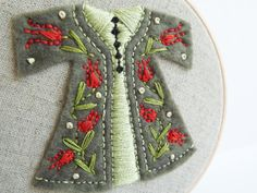 embroidered tulips | Embroidery Hoop Art - Green and Red Tulip Caftan Wall ... | embroidery