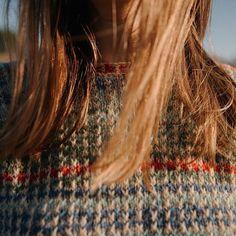 Hello Sunshine 💛 & This is Louise's hair with details of the Biches & Bûches no.3 ☀️ //// 🇫🇷 Une bien belle journée bien ensoleillée 💛 & là ce sont les cheveux de Louise avec des détails du Biches & Bûches no.3 ☀️