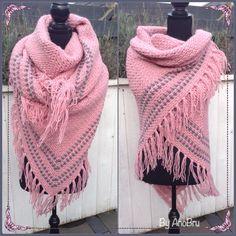 Nu een roze/grijze omslagdoek!