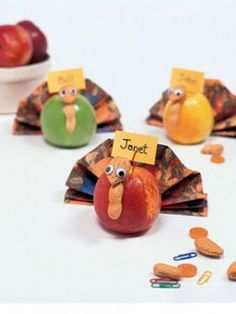 Make November a month-long Thanksgiving celebration with these 7 fun Thanksgiving activities and crafts for seniors in assisted living.