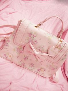 light pink floral bag with bows cute girly purse! Pink Love, Pretty In Pink, Cute Fashion, Fashion Bags, Kawaii Fashion, Gyaru Fashion, Lolita Fashion, Couleur Rose Pastel, Pastel Pink