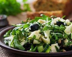 Courgettes en salade : http://www.cuisineaz.com/recettes/courgettes-en-salade-80778.aspx