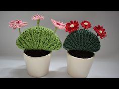 Crochet Cactus, Crochet Art, Cute Crochet, Crochet Dolls, Crochet Stitches, Crochet Flower Tutorial, Crochet Flower Patterns, Yarn Projects, Crochet Projects