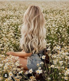Aesthetic Hair, Summer Aesthetic, Medium Hair Styles, Long Hair Styles, Shotting Photo, Jolie Photo, Picture Poses, Pretty Hairstyles, Winter Hairstyles