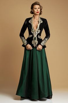 Sacou de Catifea Couture Royal Aw 2017, Fashion Over 40, Dress Making, Corset, Evening Dresses, Satin, Costume, Formal, Style