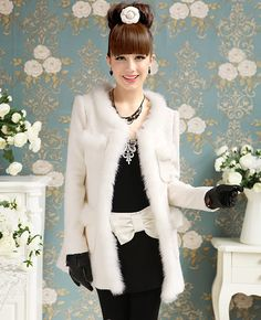 d919f82d4dfc Elegant Pure White Fur Trimming Woolen Coat White Fur