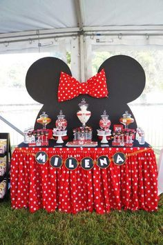 """Remember watching """"A Mickey Mouse Cartoon"""" and wishing your were Minnie Mouse for at least a day? You won't regret a Minnie Mouse quinceanera theme! Minnie Mouse Party, Minnie Mouse 1st Birthday, Minnie Mouse Baby Shower, Mickey Party, 2nd Birthday, Minnie Mouse Table, Pirate Party, Minnie Mouse Candy Bar, Minnie Mouse Birthday Decorations"""