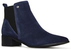 Quinn Ribbed Chelsea Boots