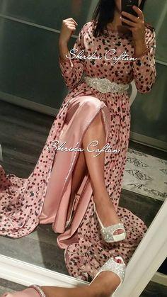 Abaya Fashion, Muslim Fashion, Oriental Dress, Caftan Dress, Hijab Dress, Moroccan Caftan, Arabic Dress, Mode Style, Traditional Outfits
